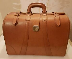 VINTAGE MEN'S TAN LEATHER LARGE HOLDALL LOCK AND KEY VGC