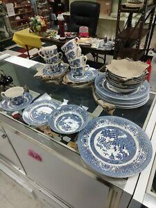 ENGLISH IRONSTONE TABLEWARE LTD. EIT BLUE WILLOW DINNERWARE PEICES ENGLAND