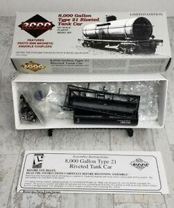 Proto 2000 HO 8000 Gallon Type 21 Riveted Tank Car Kit #21760 GATX 51667
