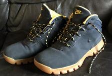 Nike Walking Hiking Winter Boot Trainers Size 5