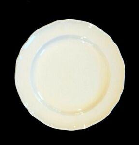 Beautiful Wedgwood Queen's Plain Bread Plate