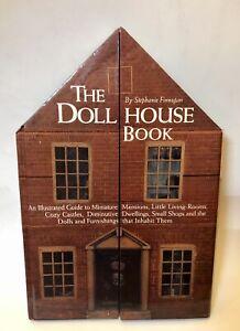 THE DOLL HOUSE BOOK by Stephanie Finnegan, 1999 Hardback, Great Dollhouse Scenes