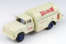 HO 1/87 Classic Metal Works # 30456 - '60 Ford Tank Truck - Valvoline Oil
