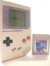 Consolas de videojuegos gris Nintendo Game Boy