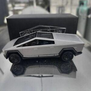 Xcartoys 1:64 Tesla Cybertruck Truck 01 Silver Diecast Model Car Toy Gifts