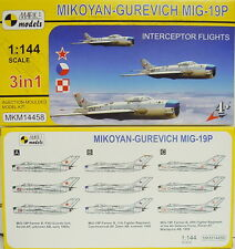 Mikojan Gurjewitsch MiG-19 P , Mark I, 1:144, 3 Models, Plastic model, NEU