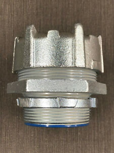 """Thomas & Betts 5339 Straight 3"""" Insulated Liquid Tight Connector"""