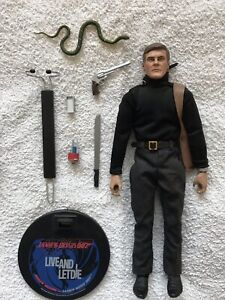 james bond sideshow collectibles 12 inch j/b figure from live and let die