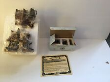 """Vtg 2000 Boyds Bearly - Built Village """"Bearly Well Clinic"""" #19008 / Accessories"""