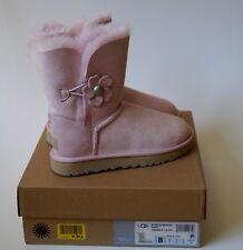 UGG-Damenschuhe-BAILEY-BUTTON-POPPY-poppy-seashell pink rosa Gr. 39 NEU & OVP