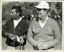 1970 Press Photo Golf pro Homero Blancas with friend on the green - hpx04340