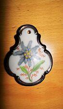 Eschenbach Elfenbein Porzellan: Trachtenbrosche aus den 50er Jahren Edelweiß