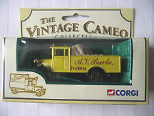 CORGI / MORRIS TRUCK / VINTAGE CAMEOCOLLECTION WITH A.V.BURKE FRUITERER / LIVERY
