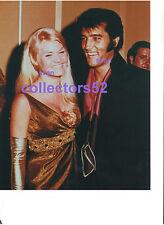 ELVIS PRESLEY LAS VEGAS SHOWGIRL PAT GILL DEEP CLEAVAGE 9/1/69 PHOTO CANDID #1