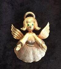 Brooch Brushed Gold Green Eyes Pendant Vintage J. J. Angel Pin /