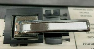 1984-1987 Lincoln Continental Left Front Door Handle E45Y-5421819-A