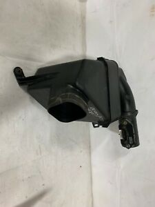 98-05 LEXUS GS300 AIR BOX INTAKE CLEANER W/ MASS AIR FLOW SENSOR OEM