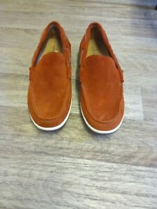 Clarks Comfort Collection Size 9 Shoes.
