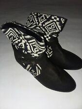 Bamboo Tik Tok Black White Aztec Pattern Slouch Bootie Boots Womens Sz 5.5 NWOB