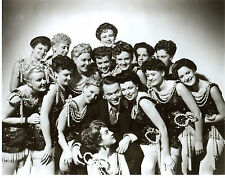 Orson Welles and Showgirls 8x10 photo S6429