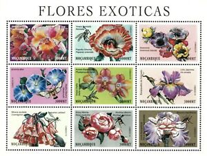 Mozambique 2000 - Exotic Flowers and Insects - Sheet of 9 - Scott 1382 - MNH