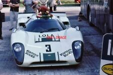 PHOTO  SID TAYLOR'S LOLA T70 MK3 THRUXTON 10 AUGUST 1969 DENNY HULME WAS THE OVE