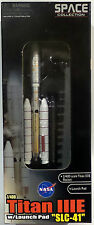 "SPACE : NASA TITAN IIIE WITH LAUNCH PAD ""SLC-41"" 1/400 SCALE DRAGON MODEL"