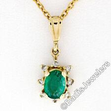 Petite 14k ORO AMARILLO .97ct OVALADO Emerald Un Diamante Halo COLGANTE + cadena