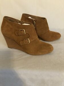 ANNE KLEIN IFLEX Brown Suede LEATHER Double Buckles WEDGE Ankle Booties SZ 8.5