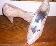 Vintage Beverly Feldman DESIGNER  size 6 shoes Pink kitten HEELS mid high