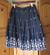 Chenault Black White Embroidered Pleated Cotton Skirt Size 6