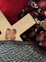 """† BLESSED """"TRUE CROSS"""" WOOD SEALED RELC THECA & GARNET ROSARY, MEDAL & CASE †"""