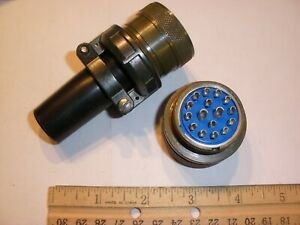 NEW - MS3106A 24-7S (SR) with Bushing - 16 Pin Female Plug