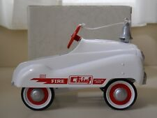 HALLMARK KIDDIE CAR CLASSICS - MURRAY FIRE CHIEF - PEDAL CAR REPLICA - DIECAST
