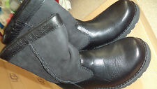 UGG Australia Boy's Riverton Black Boots - 4 Youth - NEW