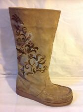 Kickers Brown Mid Calf Suede Boots Size 38