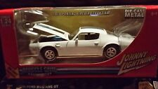 Johnny lightning 70 Pontiac Firebird Trans am 1:24 scale Diecast model car new