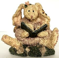 Boyds Bears Daphne the Reader Hare Style #2226 Easter Collectible