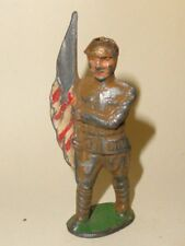 BARCLAY MANOIL WW I LEAD TOY SOLDIER AMERICAN FLAG HOLD