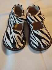 Zebra Print ~Girls Shoes ~ Closure ~ Mary Jane's ~ Size 7 *