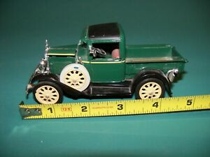 DIE-CAST 1931 FORD MODEL A PICKUP - SCALE 1/32