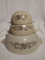 Vintage Set Of 3 Pyrex Homestead Tan and Brown Nesting Bowls