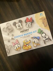 Williams-Sonoma DISNEY MICKEY MOUSE Impressions Cookie Cutter Kit NEW Sold Out!