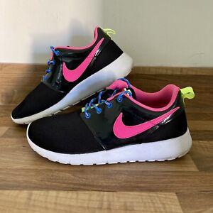 Girls Nike Roshe One Trainers Shoes UK Size 5