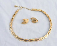 Crown Trifari Signed Necklace Earrings Set Gold Tone Brushed / Shiny, T-tag