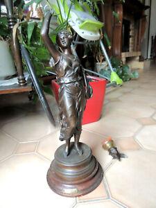 """Pied de lampe à petrole - statuette en régule """"Musique"""" par Rancoulet - cassé"""