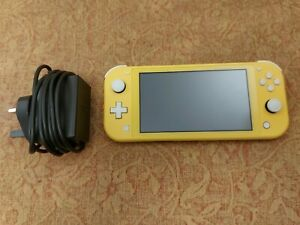 Nintendo Switch Lite Handheld Console - Yellow Excellent condition