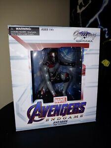 Marvel Diamond Select Gallery Vengadores Endgame Estatua Ant-Man