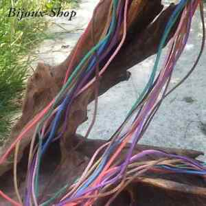 10 métres de cordon suedine 10 coloris 3x1.5 mm