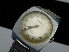 1975 caravelle hand wind watch running great keeping time stretch band